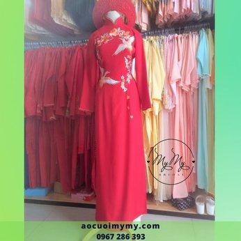 Áo dài cô dâu gấm đỏ thêu đôi chim