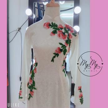 Áo dài cô dâu gấm trắng kết hoa - Cho thuê áo dài cô dâu