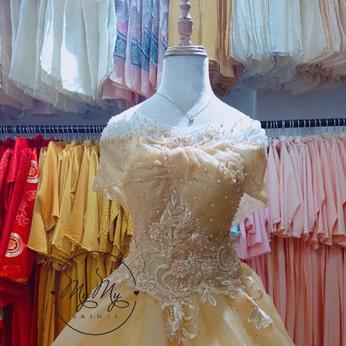 Soiree cưới màu vàng cúp ngực