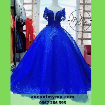 Váy cưới voan xanh coban kết hạt pha lê