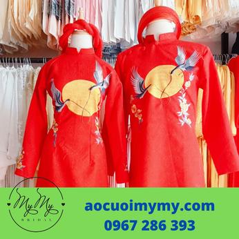 Áo dài cặp cô dâu chú rể gấm đỏ thêu đôi chim