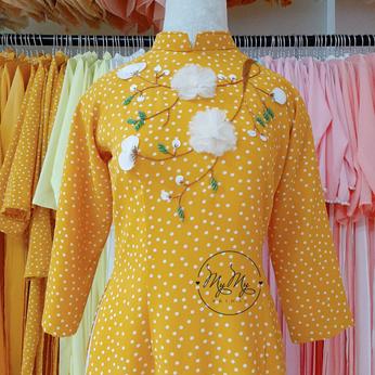 Áo dài bưng quả chấm bi tay lửng đính hoa - Dịch vụ cho thuê áo dài bê tráp