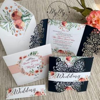 Thiêp cưới thiết kế  màu trắng bao thiệp  hoa văn xanh dương - thiệp cưới My My