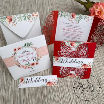 Thiêp cưới đỏ  nhung thiết kế cắt hoa hồng- DQ2036