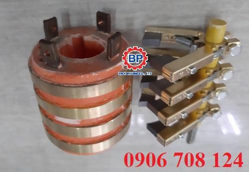Cổ góp điện 4 pha kích thước 30x70x75 mm