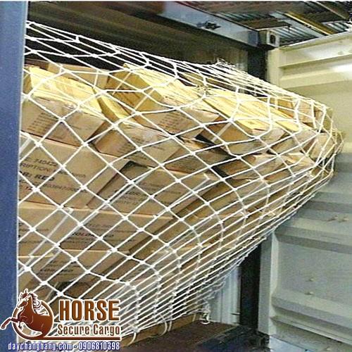 Ứng dụng lưới chắn cửa container