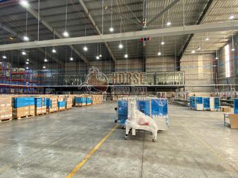 Xây dựng kho hàng xanh trong logistics với sản phẩm lưới quấn pallet