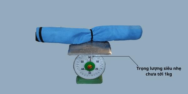 trọng lượng của mãu lưới quấn pallet horse 1m khóa verclo rất nhẹ