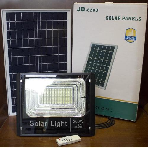 Đèn LED Năng Lượng Mặt Trời 200W