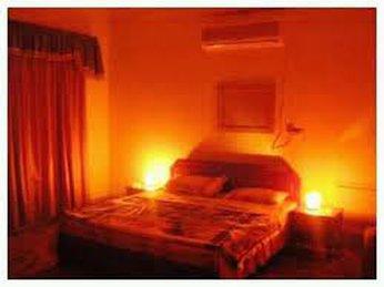 Vì sao nên dùng đèn ngủ đá muối Himalaya thay thế các loại đèn phòng ngủ thông thường