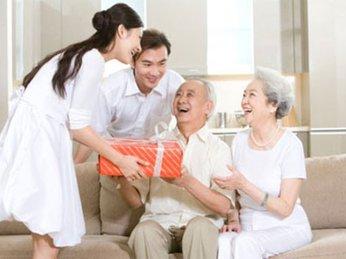 Cách Chọn Quà Tết Tặng Ông Bà Ba Mẹ Vừa Sang Trọng Vừa Ý Nghĩa