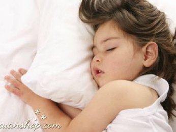 Cách giúp trẻ luôn đi ngủ đúng giờ cùng đèn bàn đẹp