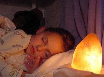 Có nên lắp đèn ngủ cho trẻ em hay không ?