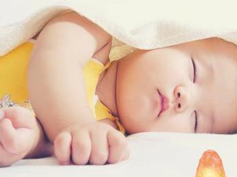Đèn ngủ đá muối himalaya tốt cho sức khỏe mẹ và bé