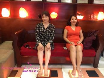 Gía đèn đá muối massage chân - Sản phẩm massage chân hiệu quả