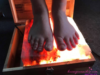 Món quà sức khỏe thay lời yêu thương với đèn đá muối massage chân