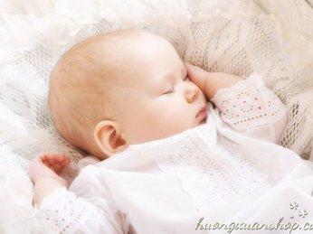 Nên để đèn ngủ màu gì trong phòng ngủ cho bé là an toàn hơn cả?