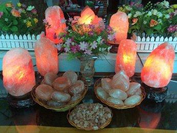 Phía sau vẻ đẹp lôi cuốn của đèn đá muối Himalaya là những công dụng tuyệt vời, bạn đã biết chưa?