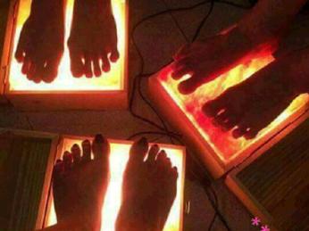 Sử dụng và bảo quản hộp đá muối massage chân vào mùa hè sao cho hiệu quả?