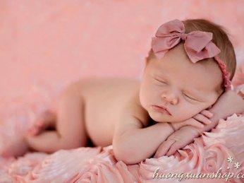 Tác hại của việc chọn không đúng đèn ngủ cho bé sơ sinh