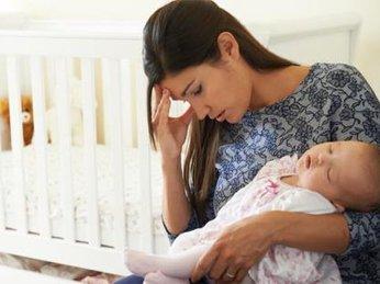 Chị em nói gì về tình trạng mất ngủ sau sinh trên webtretho?