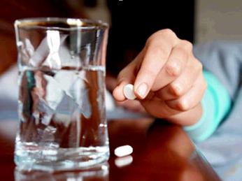 Có nên uống thuốc trị chứng mất ngủ sau sinh?