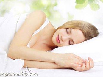 Vì sao bạn nên sử dụng đèn đá muối để trang trí phòng ngủ?