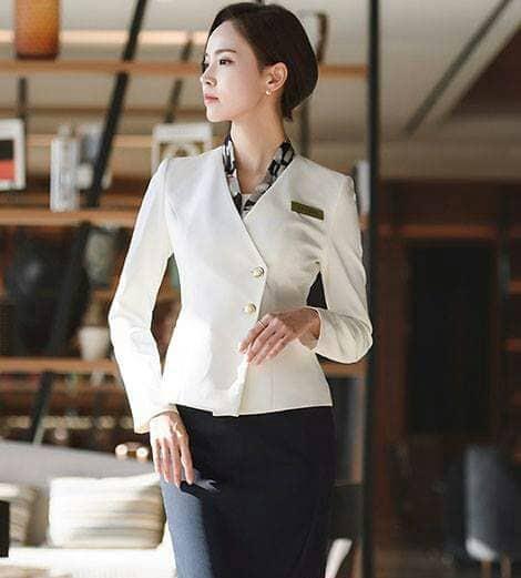 TOP những mẫu đồng phục lễ tân nữ đẹp nhất được các chủ doanh nghiệp bầu chọn !