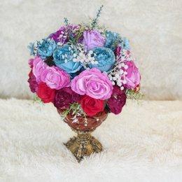 Bình hoa bàn gia tiên