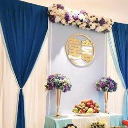 Hoa trang trí bàn thờ gia tiên