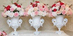 Gợi ý một số phong cách cắm  hoa để bàn đám cưới ấn tượng