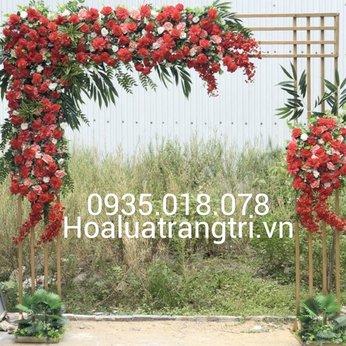 Cổng hoa hồng đỏ