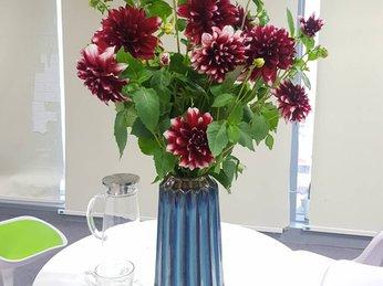 Bật mí cách chọn bình hoa phù hợp với từng loại hoa