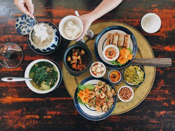 Bữa cơm gia đình, nét văn hóa, biểu tượng đẹp của nếp nhà Việt Nam.