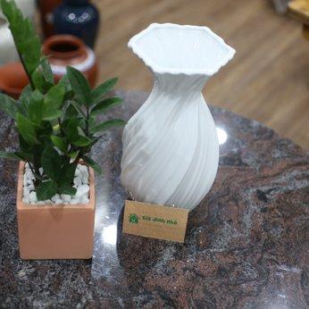 Lọ Hoa Trắng Tỏi Vặn (~28cm)