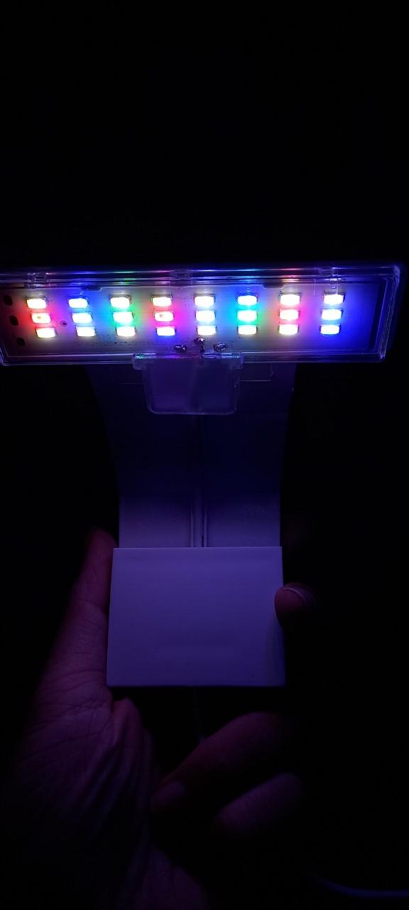 Đèn LED nhiều màu kẹp thành hồ cá, hồ thủy sinh từ 15 đến 30cm