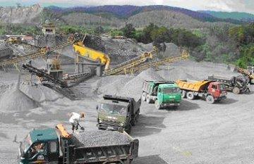 Giá đá xây dựng bị độn lên cao, người dân lãnh đủ