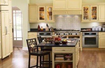 Một số lưu ý khi lựa chọn và sử dụng sàn gỗ cho phòng bếp