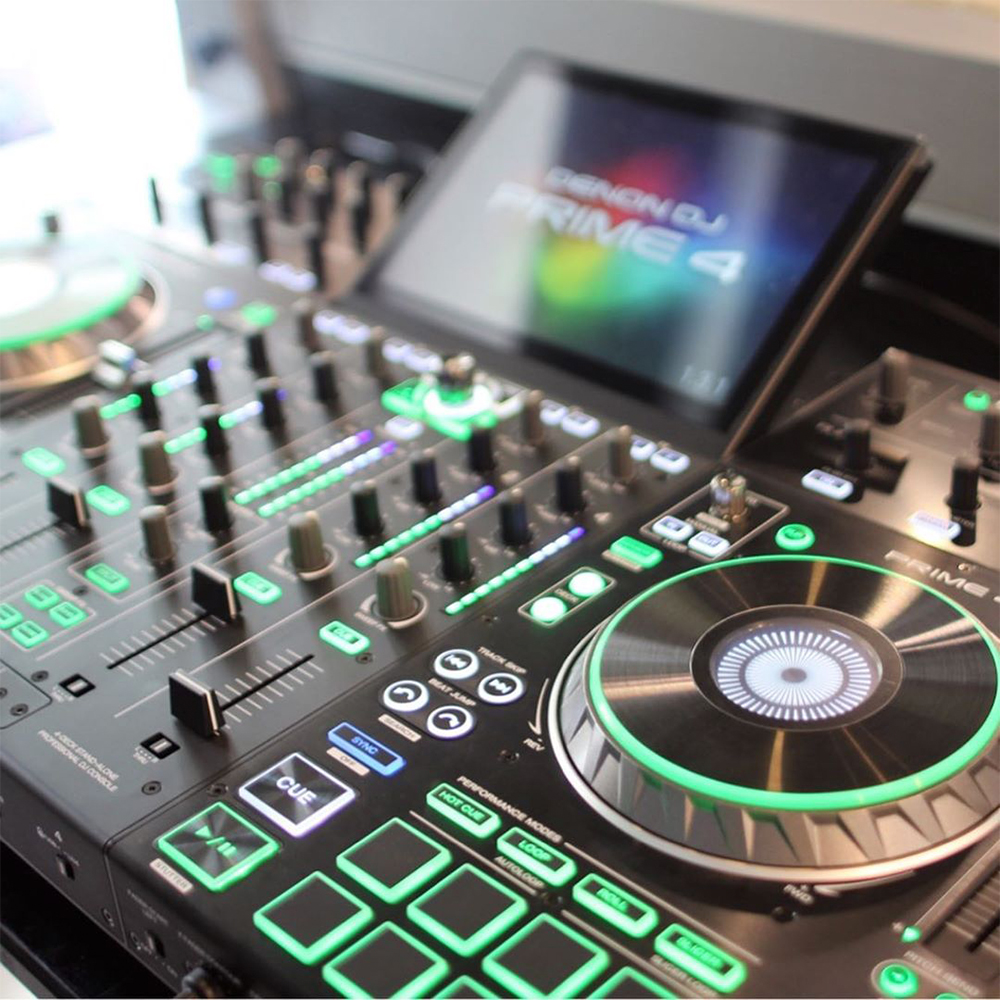 Bàn DJ Denon DJ Prime 4