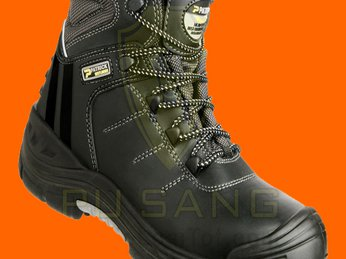 Cách sử dụng giày bảo hộ chống nước như thế nào?