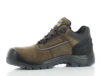 Giày bảo hộ chống đinh - giải pháp an toàn cho người lao động