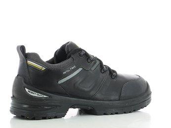 Giày bảo hộ Jogger TpHCM an toàn đem đến sự tin tưởng lớn từ người tiêu dùng.