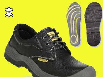 Kinh nghiệm chọn giày bảo hộ công trường phù hợp nơi công trường