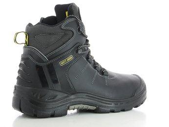 Tác dụng của giày dép bảo hộ đối với người lao động?