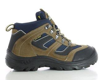 Tìm mua giày bảo hộ chịu nhiệt tốt