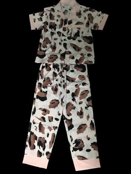 Bộ Đồ Pijama Lụa Tơ Cao Cấp Không Nhăn Mặc Ở Nhà Xinh Xắn. Giá 145k/Bộ