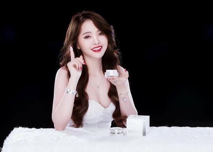 Kem-duong-trang-hong-va-tre-hoa-lan-da-cc-white.jpg (109 KB)