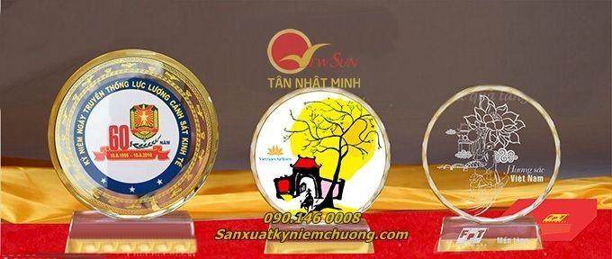 ** Pha lê in hình tròn - Vua Quà Việt - 0901460008