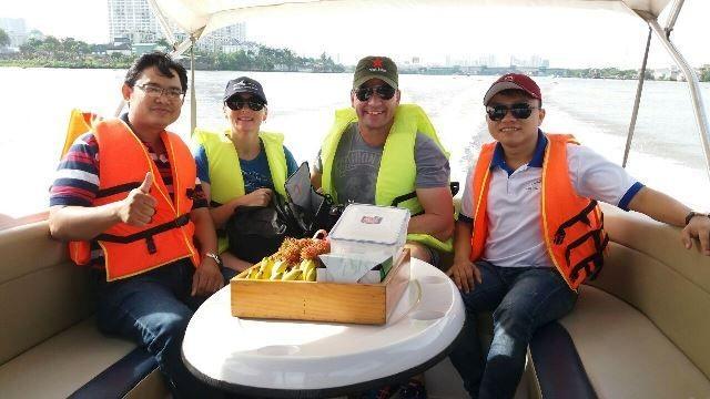 Hợp Tác với Hoa Sen Châu Á tourism