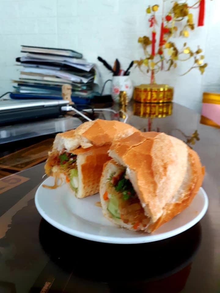 Bánh mì thịt nướng Cô Hằnz